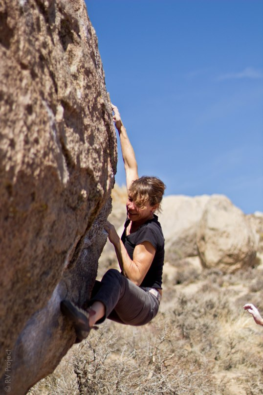 Gitta Lubke on the finishing crux of The Rail Problem in the Buttermilks.