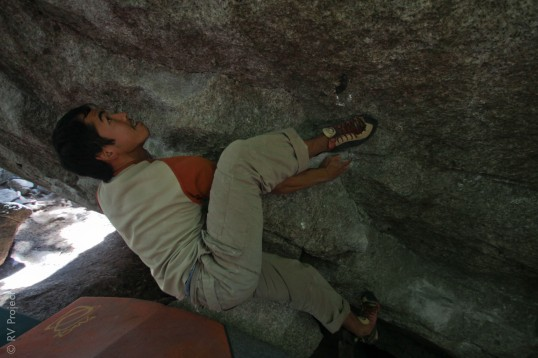 Viet hooking contortion-style while nearly sending the classic Golden Boy